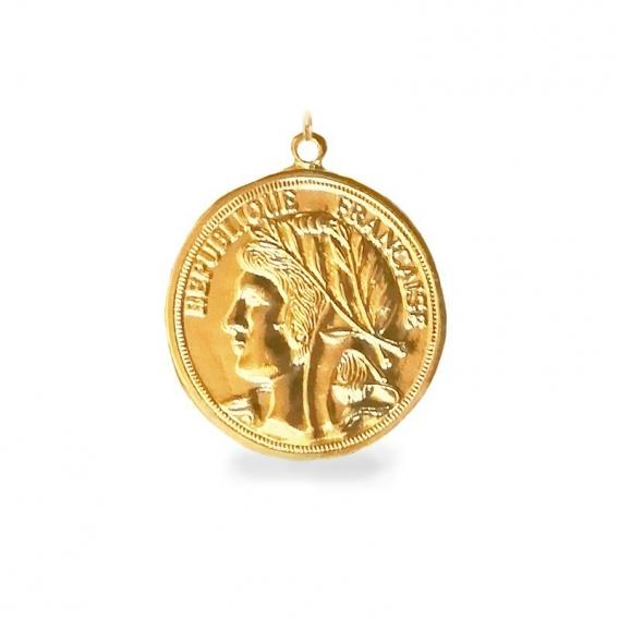 Photo de Grands pendentifs PENDENTIF MARIANNE chez Perrine et Antoinette