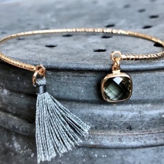 Photo de Bracelets empierrés DEMI-JONC EMELINE chez Perrine et Antoinette