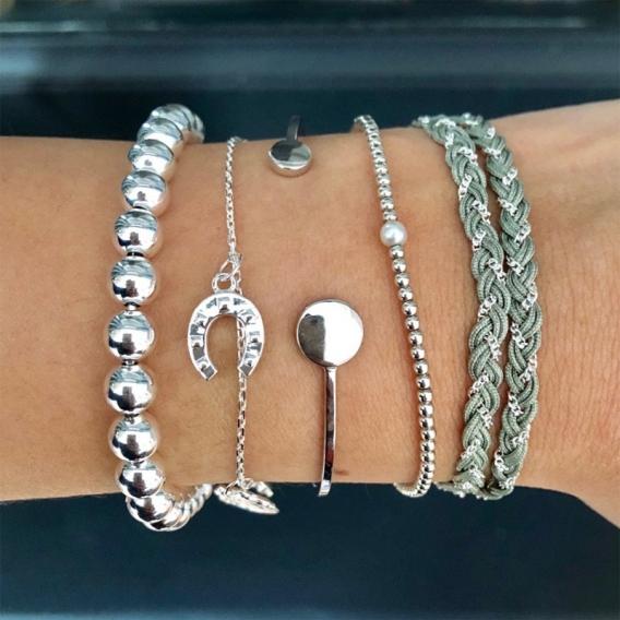 Photo de Bracelets sans strass BRACELET VICTOIRE chez Perrine et Antoinette